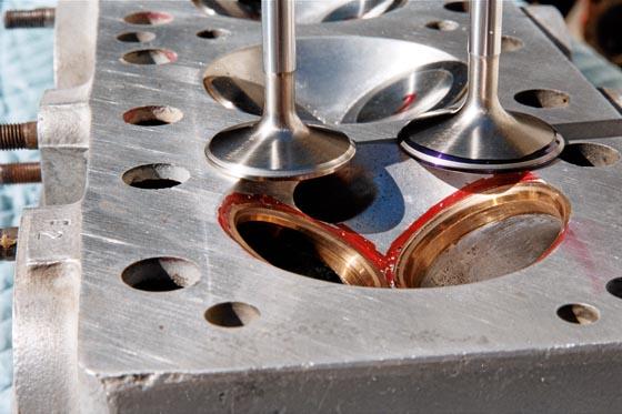 Forza Head Case 1964 Ferrari Cylinder Head